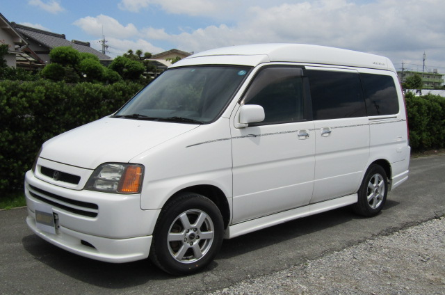 1999 Honda Stepwagon 2.0 Auto 4wd Field Deck Pop Top Day Van Camper MPV (H77), Front View, Passengers Side, Japanese import cars.