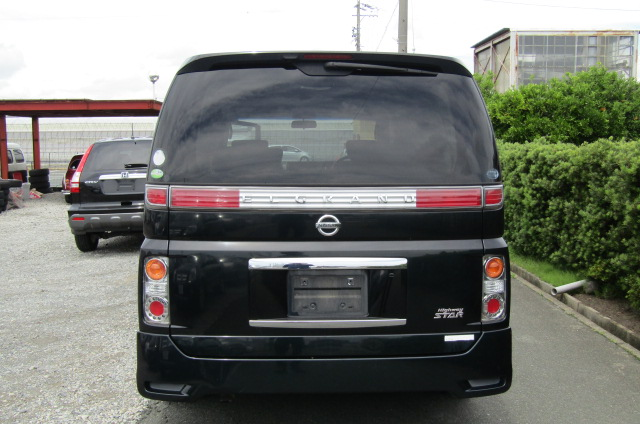 2005 Nissan Elgrand 2.5 E51 Highway Star Auto 8 Seater MPV (E29), Rear View. Japanese import cars.