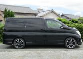 2005 Nissan Elgrand 2.5 E51 Highway Star Auto 8 Seater MPV (E29), Side View, Drivers Side. Import Japanese cars uk.