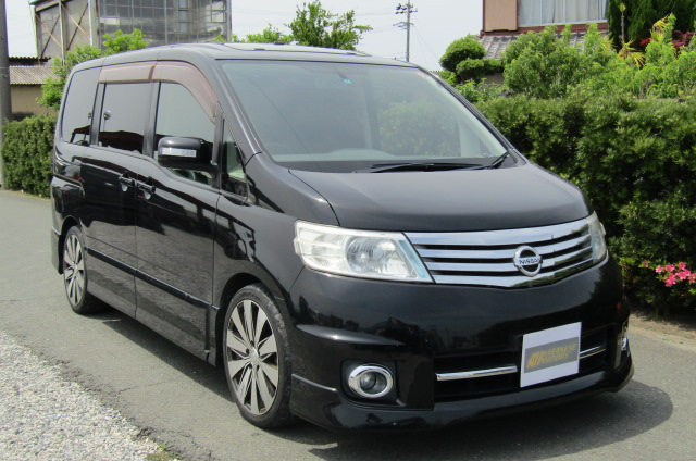 2007 Nissan Serena 2.0 Highway Star Auto 8 Seater MPV (Y14), Front View, Drivers Side, Japanese imports.