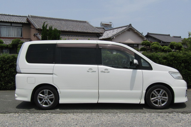 2008 Nissan Serena 2.0 Rider High Performance Spec Autech 8 Seater MPV (Y35) , Side View, Drivers Side