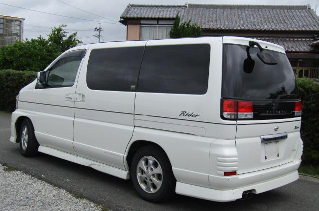 2001 Nissan Elgrand 3.5 E50 Rider Optional 4wd Auto 8 Seater MPV (E37), Rear View, Passengers Side. Japanese car imports UK.