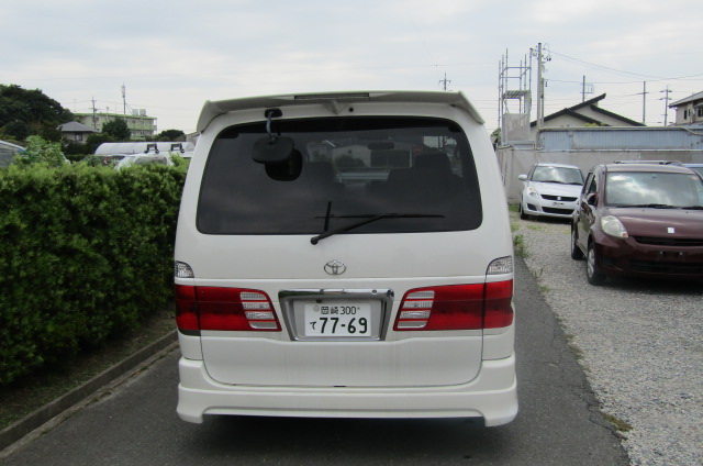 2001 Toyota Grand Hiace 3.4 V6 G Aero Auto 8 Seater MPV (K31), Rear View