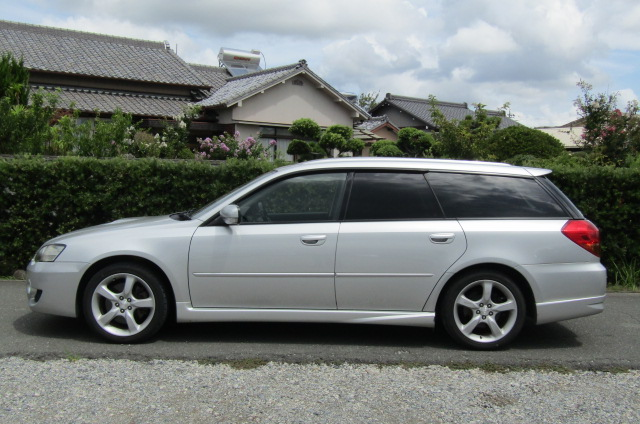2005 Subaru Legacy 2.0 Bp5 Gt Turbo 4WD Auto Estate (S77), Side View, Passengers Side. Import Japanese cars uk.