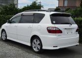2005 Toyota Ipsum 2.4 Auto 7 Seater MPV (I18), Rear View, Passengers Side. Japanese car imports UK.