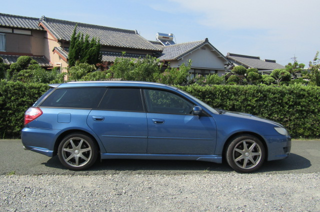 2006 Subaru Legacy 2.0 4WD GT Turbo Auto Estate (S55), Side View, Drivers Side. Import Japanese cars uk.