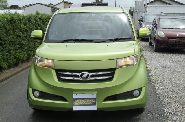 2007 Toyota Bb 1.3 Q Version Auto 5 Dr Hatchback (B38), Front View. Jap imports.