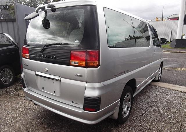 1998 Nissan Elgrand 3.3 E50 Optional 4WD Auto 8 Seater MPV (E87), Rear View, Drivers Side. Jap imports UK.