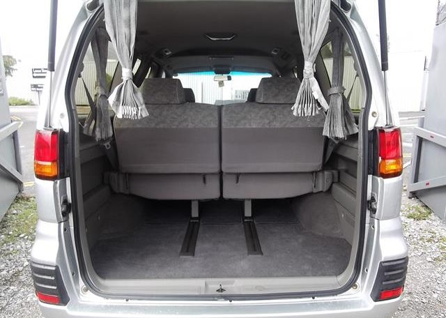 1998 Nissan Elgrand 3.3 E50 Optional 4WD Auto 8 Seater MPV (E87), Interior View Rear Seats Down For Storage