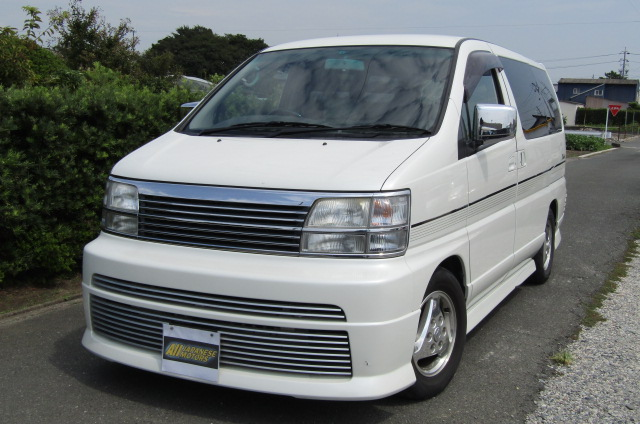 1999 Nissan Elgrand 3.3 Rider Optional 4wd Auto 8 Seater MPV (E67), Front View, Passengers Side. Jap imports for sale.