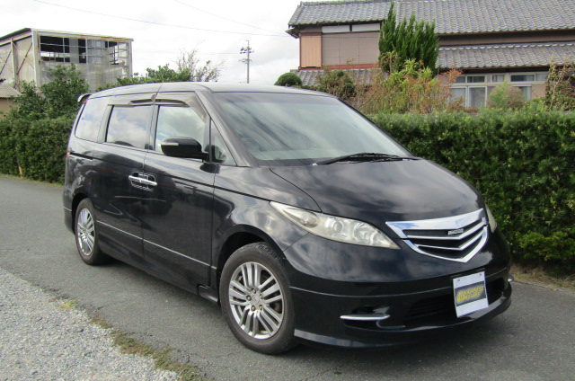 2004 Honda Elysion 3.0 V6 Vg Aero Auto 8 Seater MPV (H47), Front View, Drivers Side, Japanese imports by KV Cars.