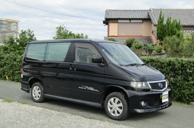 2005 Mazda Bongo 2.0 Aero Friendee Facelift 8 Seater MPV (B7), Front View, Drivers Side. Japanese imports.