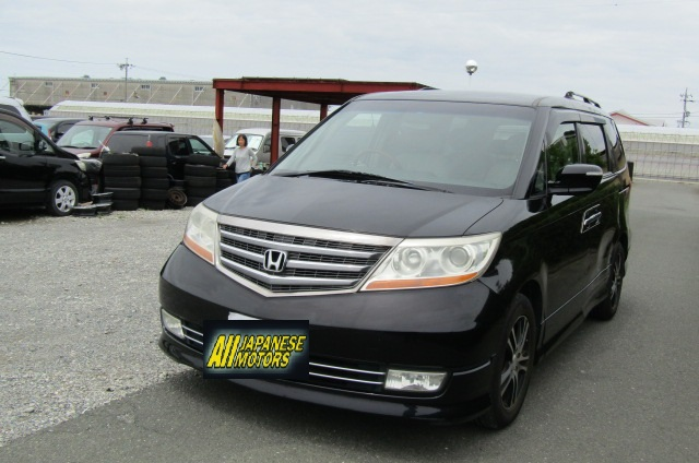 2008 Honda Elysion 2.4 S Prestige Facelift Rr1 7 Seater MPV (H69), Front View, Passengers Side, Japanese import cars at All Japanese Motors.