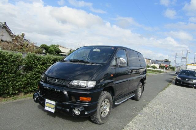 2002 Mitsubishi Delica 3.0 V6 4wd Space Gear Chamonix Auto 7 Seater MPV (R91), Front View, Passengers Side.
