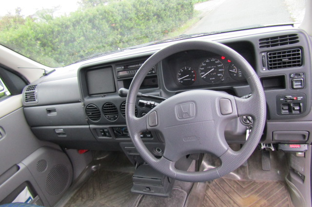 1998 Honda Stepwagon 2.0 Field Deck Pop Top Auto 8 Seater MPV Day Camper Van (H84), Interior View Dashboard & Steering Wheel
