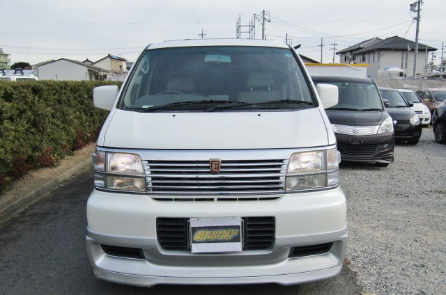 1998 Nissan Elgrand 3.3 Highway Star Auto 8 Seater MPV (E75)1998 Nissan Elgrand 3.3 Highway Star Auto 8 Seater MPV (E75), Front View.