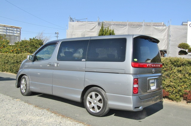 2005 Nissan Elgrand 2.5 Highway Star Auto 8 Seater MPV (E54), Rear View, Passengers Side.