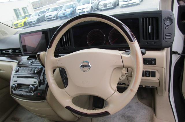 2006 Nissan Elgrand Rider Autech 2.5 Auto 8 Seater MPV (E85), Drivers Seat, Interior View Dashboard & Steering Wheel