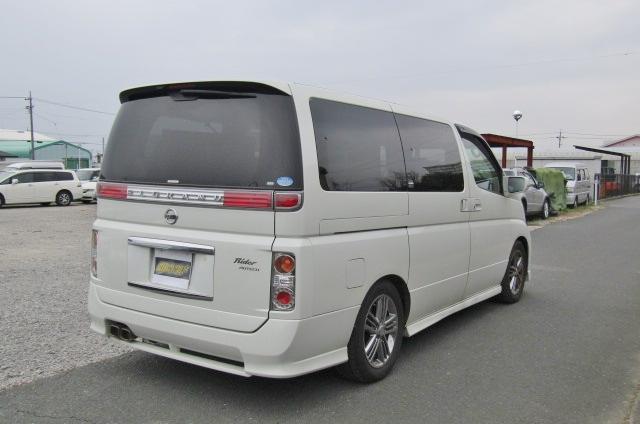 2006 Nissan Elgrand Rider Autech 2.5 Auto 8 Seater MPV (E85), Rear View, Drivers Side
