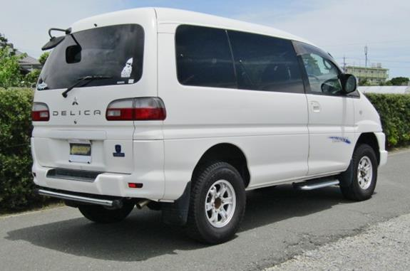2005 Mitsubishi Delica 3.0 V6 Auto Space Gear 4wd Chamonix 7 Seater MPV (R70), Rear View, Drivers Side