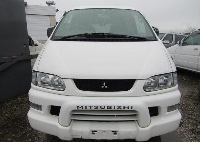 2005 Mitsubishi Delica 3.0 V6 Auto Space Gear 4wd Chamonix 7 Seater Mpv (R70), Front View
