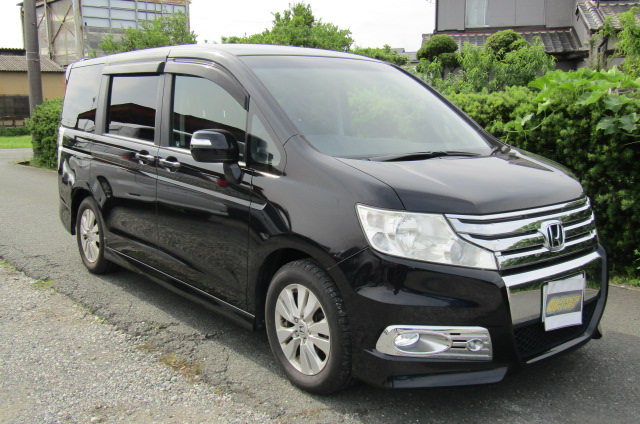 2010 Honda Stepwagon 2.0 Ivtec Spada New Shape Rk5 8 Seater MPV (H45), Front View, Drivers Side