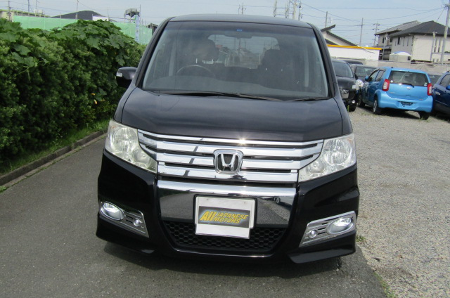 2010 Honda Stepwagon 2.0 Ivtec Spada New Shape Rk5 8 Seater MPV (H45), Front View
