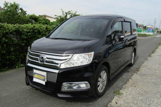 2010 Honda Stepwagon 2.0 Ivtec Spada New Shape Rk5 8 Seater MPV (H45), Front View, Passengers Side