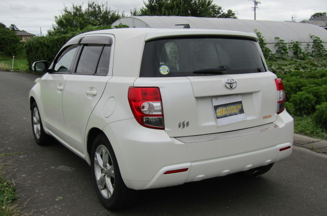 2010-toyota-ist-1-5-auto-3-dr-hatchback-i61, Rear View, Passengers Side