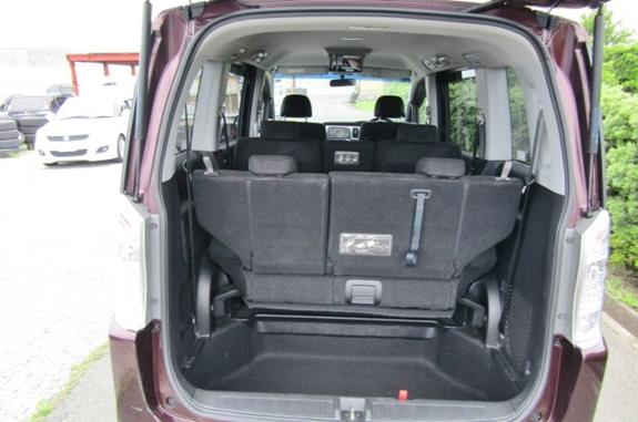 2010 Honda Stepwagon 2.0 Ivtec Auto Spada Rk5 New Shape 8 Seater Mpv (H64), Rear View, seats partially down.