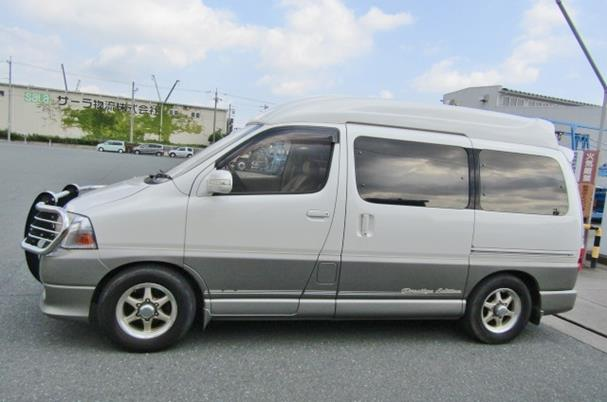 2000 Toyota Grand Hiace 3.4 V6 Hi Roof Lounge 7 Seater MPV Camper (Z8), Side View, Passengers Side
