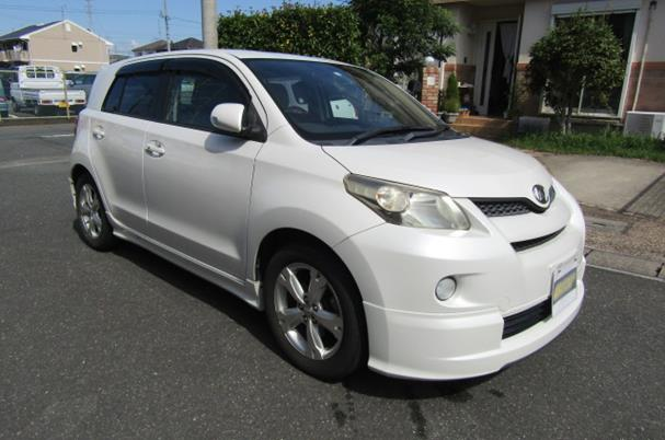 2007 Toyota Ist 1.5 Auto 5 Dr Hatchback (I6), Front View, Drivers Side