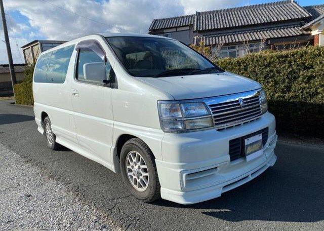 1998 Nissan Elgrand 3.3 V6 Auto Highway Star Auto 8 Seater MPV (E74), Front View, Drivers Side.