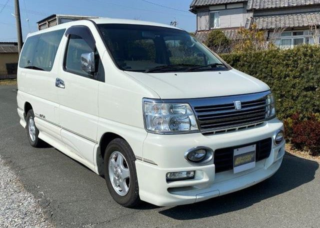 2002 Nissan Elgrand 3.5 Highway Star E50 Auto 4wd 8 Seater MPV (E69), Front View, Drivers Side.