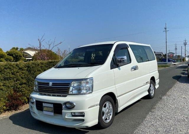 2002 Nissan Elgrand 3.5 Highway Star E50 Auto 4wd 8 Seater MPV (E69), Front View, Passengers Side.