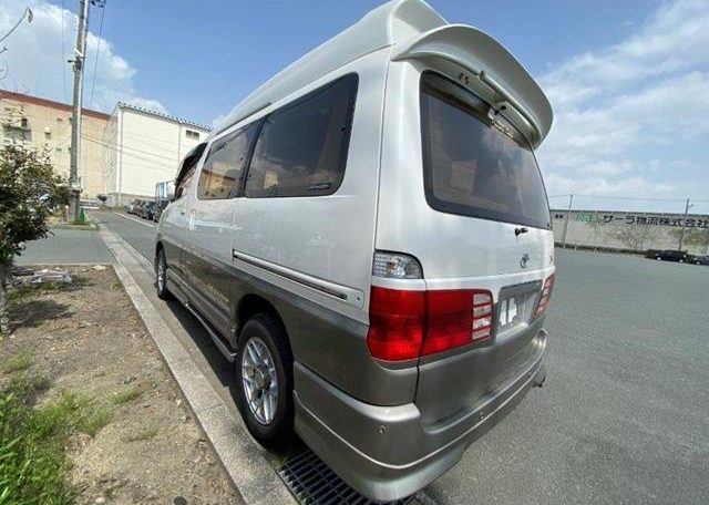 2002 Toyota Grand Hiace 3.4 V6 Ltd Edn Prestige 4WD High Roof Day Van 7 Seater MPV (K63), Rear View, Passengers Side