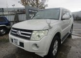 2007 Mitsubishi Pajero 3.0 V6 Super Exceed 4WD 7 Seater 5 dr Auto LWB Facelift (P7), Front View, Passengers Side