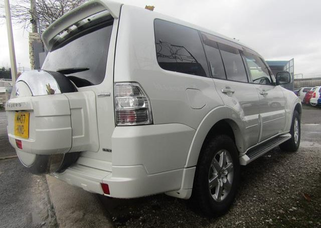 2007 Mitsubishi Pajero 3.0 V6 Super Exceed 4WD 7 Seater 5 dr Auto LWB Facelift (P7), Rear View, Drivers Side