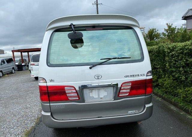 2001 Toyota Grand Hiace 3.4 V6 4WD Auto 8 Seater MPV (K36), Rear View
