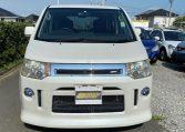2008 Mitsubishi Delica D5 2.4 7 Seater MPV (R23), Front View